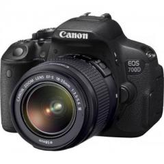 Canon EOS 700D kit (18-55mm) EF-S DC III