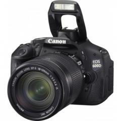 Canon EOS 600D kit (18-135 mm IS)